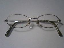 ウチの子供の初メガネ