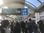JR海浜幕張駅前にて