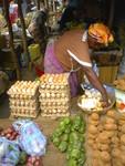 ジュバのコニョコニョマーケットの女性
