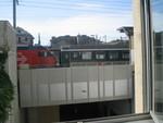 ホテルの窓から電車ビュー