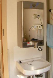 滅菌水の洗面台