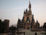 夕暮れのシンデレラ城