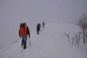 白髪山山頂へ