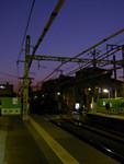 夕暮れの駅にて