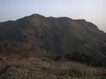 朝日に照らされる三嶺