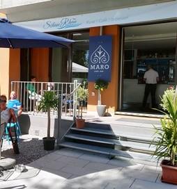 新たに開店したカフェ