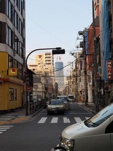 錦糸町よりスカイツリーを望む