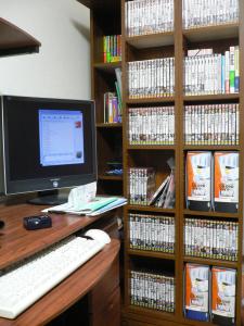本棚がいっぱい(´ω`)