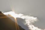 雲間に、「初日」。( 26.1.1)(8:07)